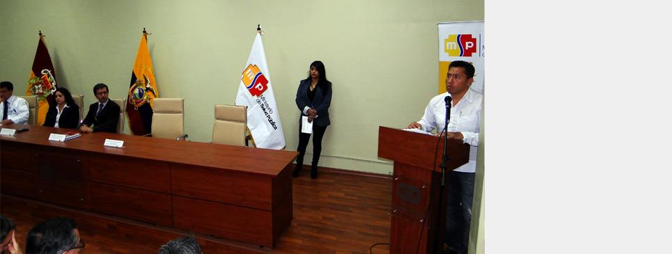 Dr. Oscar Chango asume gerencia del HVCM